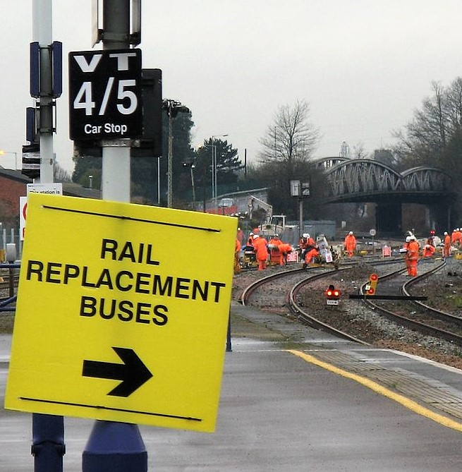 2014_Taunton_track_renewals_-_sign_to_rail_replacement_buses
